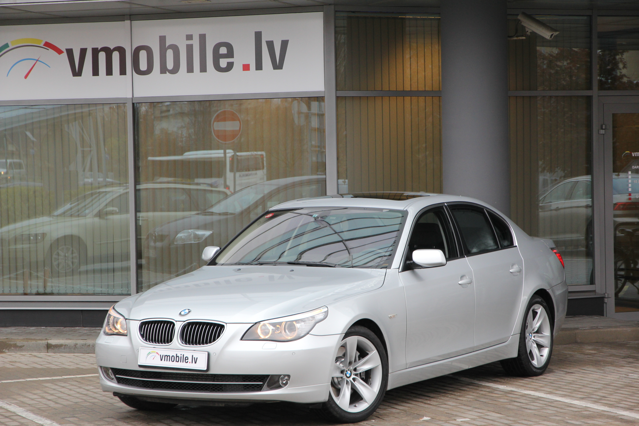 BMW 5 series 4.8 PETROL 367HP