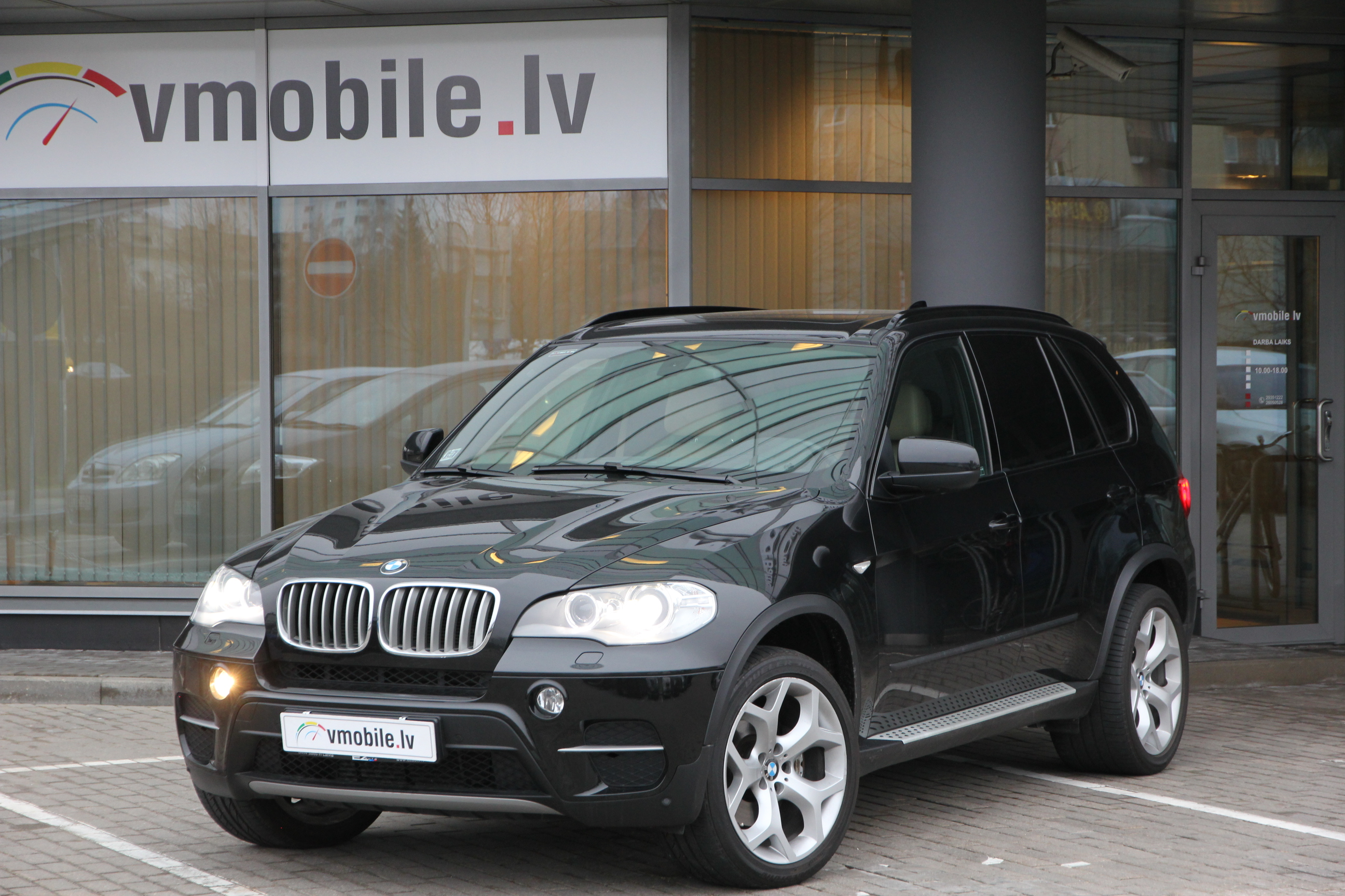 BMW X5 40d INDIVIDUAL 306HP Active Steering Soft Close KEYLESS GO Head Up WEABASTO Panorama Glass Roof